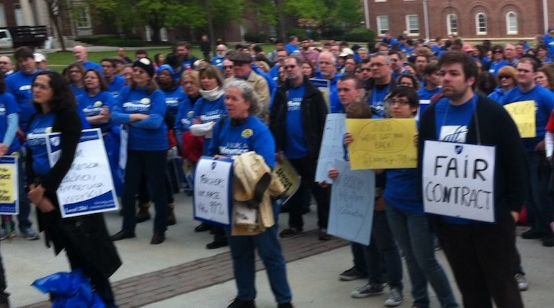 College Council contract rally TCNJ